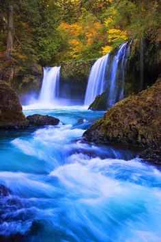 So many insanely beautiful waterfalls in the Columbia River Gorge - I cannot pin them all. I must plan a trip to the northwest. Landscape Photography, Nature Photography, Travel Photography, Waterfalls Photography, Photography Tips, Beautiful Waterfalls, Beautiful Landscapes, Beautiful Landscape Wallpaper, Famous Waterfalls