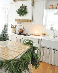 Enjoy your Halloween evening friends! Be safe and have fun! We're about to eat Chinese takeout before trick or treating. Cottage Christmas, Christmas Kitchen, Christmas Decor, Merry Christmas, Healthy Living Magazine, Healthy Living Tips, Farmhouse Homes, Farmhouse Decor, Farmhouse Style