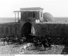 Australian cavalry in front of the fortress of Khan Ayar after capturing it. Native American History, American Civil War, British History, Women In History, World History, Ancient History, World War One, First World, Travel Humor