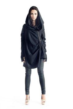 Asymmetryc Extravagant dunkel grau Hoodded Mantel / von Aakasha