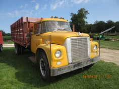 Farm Trucks, International Harvester, Ih, History Books, Scouts, Vehicles, Pictures, Concrete, Yellow