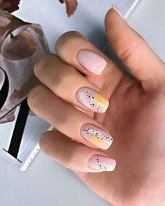 Stylish Nails, Trendy Nails, Cute Nails, Pink Nails, My Nails, Pastel Nails, Abstract Nail Art, Nagellack Trends, Minimalist Nails
