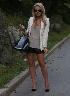 I friggin love her style!  P.S. I love fashion