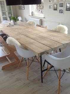 Billedresultat for plankebord Diy Dining Table, Apartment Interior Design, Dining Room Design, Home Decor Inspiration, Home And Living, Living Room Decor, Sweet Home, Furniture, Dinning Table