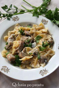 Makaron z kurczakiem w lubczyku z pieczarkami Risotto, Rice, Pasta, Vegetables, Ethnic Recipes, Food, Essen, Vegetable Recipes, Meals