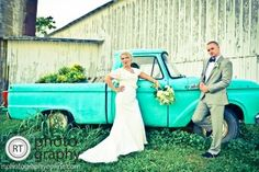 Wedding Photography - Vintage Wedding Photography - R.T. Photography Louisville Kentucky - #wedding #kyphotography #louisvillePhotographer