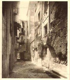 Via delle Marmorelle con le arcate del Foro di Cesare (?)
