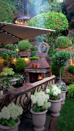 Garden Yard Ideas, Backyard Patio Designs, Small Backyard Landscaping, Backyard Retreat, Garden Projects, Garden Art, Back Garden Design, Farmhouse Garden, Backyard Makeover