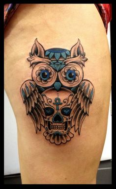 cute owl tattoo designs for women - Yahoo Image Search Results Skull Thigh Tattoos, Sugar Skull Tattoos, Leg Tattoos, Arm Tattoo, Body Art Tattoos, Sleeve Tattoos, Sugar Skull Owl, Bird Skull, Ankle Tattoo