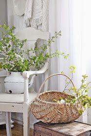 Når jeg om våren ser et tre fullt av hvite små blomster.....ja da blir jeg heeelt fortapt :) Det er bare noe av det vakreste jeg vet og ...