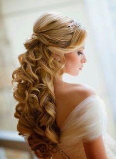Idee semiraccolti per capelli lunghi e ricci
