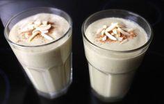 Ein guter Start in den Tag: Banane Avocado Mandelmilch Shake