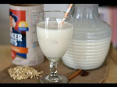 Colombian Avena (Oatmeal Shake) - Sweet y Salado Colombian Drinks, Colombian Desserts, Colombian Dishes, Colombian Cuisine, Colombian Recipes, Avena Recipe, Hispanic Kitchen, Hispanic Dishes, Kuchen