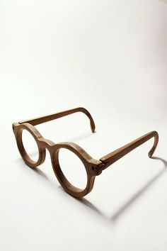 all hand-made wood eyewear. by yenhuaChen
