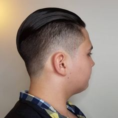 13 Cleanest High Taper Fade Haircuts for Men in 2020 Top Hairstyles For Men, Popular Mens Hairstyles, Latest Hairstyles, Haircuts For Men, Straight Hairstyles, Comb Over Haircut, Taper Fade Haircut, Tapered Haircut, High Taper Fade