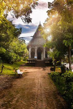 Luang Prabang temple by CharlesFBI, via Flickr