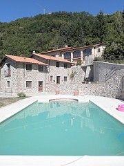Casa Di Campagna a Verrucole per 8 persone, 3 camere da letto Case vacanze in San Romano in Garfagnana da @homeaway! #vacation #rental #travel #homeaway