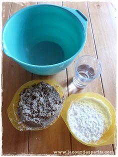 Recette du moon sand : le sable à modeler fait maison |La cour des petits