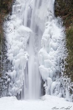 Wow! Frozen waterfall.. #awesome #places Visit www.hot-lyts.com to see more background images