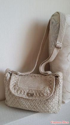 Привет, девочки! У меня связалась вторая сумочка по описанию Ольги Лео. Первая сумочка - здесь: http://www.stranamam.ru/  Вязание этой сумочки заняло у меня больше времени, т. к.