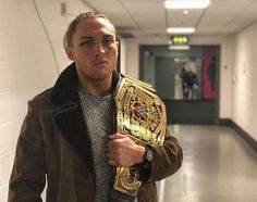 wwe #WWEUK Champion @petedunneyxb is here in his hometown of #WWEBirmingham, and he's ready to defend his Championship! 2017/11/08 04:56:35