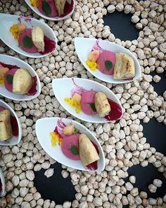 Hummus de Remolacha con Pan Pita.   #hummus #remolacha #panpita #pitabread #aperitivo