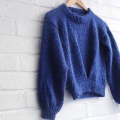 Twist (norwegian) - Lilly is Love Drops Kid Silk, Madeline Tosh, Swatch, Beach Sweater, Mesh Laundry Bags, Yarn Over, Raglan, Stockinette, Drops Design