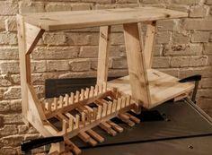 Plate Rack – Walt's Wood Design Pallet Furniture Designs, Log Furniture, Diy Furniture Projects, Unique Furniture, Wood Projects, Log Home Kitchens, Home Decor Kitchen, Kitchen Rack Design, Freestanding Kitchen