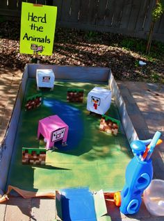 minecraft toilet paper roll crafts | Miniature golf, Herd the Animals : Yes you guessed it! More ...