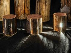 Duncan Meerding's logs are the bursting doors to interdimensional travel. The Tasmania-based designer adds bright yellow LEDs to sustainably sourced logs giving Trunk Furniture, Dark Furniture, Furniture Design, Timber Furniture, Natural Light Lamp, Lamp Light, Luminaire Design, Lamp Design, Australian Lighting