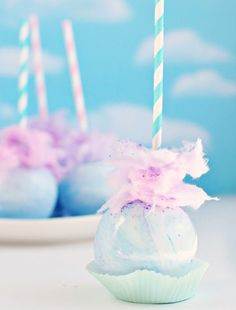 These Cotton Candy Ideas Are The Next Big Thing Cake Pops, Caramel Candy, Caramel Apples, Chocolate Apples, Pastel Candy, Colorful Candy, Pastel Cupcakes, Pastel Macaroons, Snacks Für Party