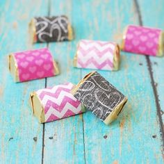 Create your own Hershey Nuggets candy wrappers for a sweet Valentine gift.
