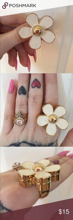 Selling this Marc Jacobs Daisy Solis Perfume Ring sz 8 on Poshmark! My username is: unicornhooker. #shopmycloset #poshmark #fashion #shopping #style #forsale #Marc Jacobs #Jewelry