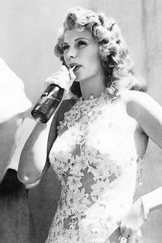 Znalezione obrazy dla zapytania rita hayworth you were never lovelier Hollywood Icons, Old Hollywood Glamour, Golden Age Of Hollywood, Vintage Hollywood, Hollywood Stars, Classic Hollywood, Rita Hayworth, Anthony Perkins, Gary Oldman