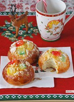 Roscón de Reyes en forma de bollos individuales. Receta de Navidad
