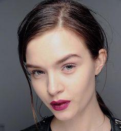Wet Look Hairstyles for Women: Lanvin  #wethair #hairstyles