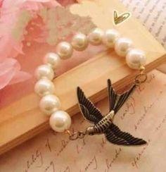 Swallow Pearls Stretch Bracelet Jewelry $11