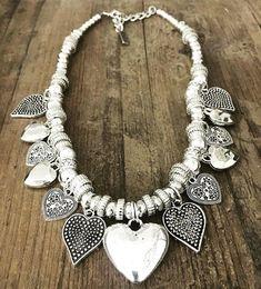 Collar Love Diy Jewelry, Beaded Jewelry, Jewelry Design, Fashion Jewelry, Jewelry Making, Jewellery, Boho Accessories, Handmade Necklaces, Creations