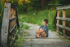 Becky C Photography Little Boy Photography, Kids Photography Boys, Photography Pics, Creative Photography, Family Photography, Pic Pose, Picture Poses, Photo Poses, Boy Photo Shoot