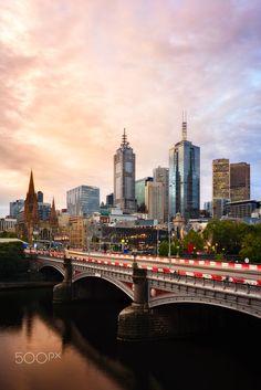 Melbourne city skyline at sunset Melbourne Skyline, Places In Melbourne, Melbourne Travel, Melbourne Australia City, Perth, Brisbane, Melbourne Victoria, Victoria Australia, Chicago Photography