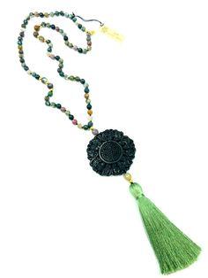 #necklace #stones #cristal #gemme #jade - La collection Jade est composée de pierres semi-précieuses Collection Jade :: creation-aum #Les Collections AUM :: creation-aum.com