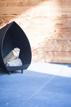 NuBuiten Project // Giessenburg // De bewoners hebben ervoor gekozen om de Douglas planken te laten vergrijzen, waardoor er een rustieke sfeer ontstaat.