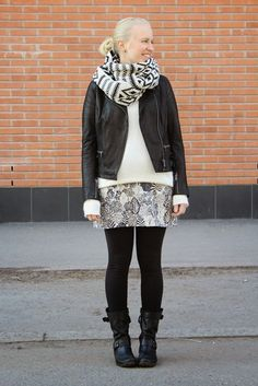 Black and white outfit with leather jacket and oversized scarf / Kotisaari