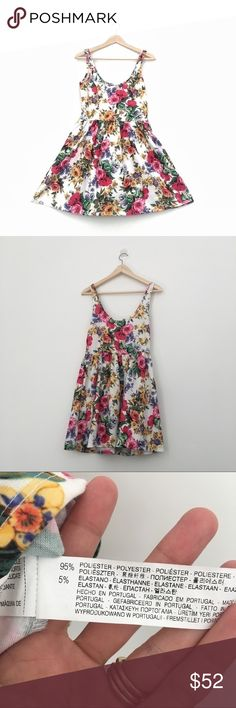 """Zara floral skater dress Excellent pre loved condition - no flaws!! Barely used. Cute skater fit and flare dress from Zara. Stretchy but runs small. Top of the shoulder to waist = 16"""" and waist measures 14"""" and is stretchy Zara Dresses"""