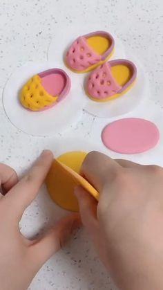 Cake Decorating Frosting, Creative Cake Decorating, Cake Decorating Techniques, Cake Decorating Tutorials, Fondant Cake Designs, Fondant Cake Toppers, Fondant Figures, Cake Recipes Without Oven, Cake Recipes From Scratch