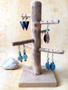 Tree + to + jewelry Ascending wood floated + + by + l & # Atelier More Corin. Tree + to + jewelry Ascending wood floated + + by + l & # Atelier More Corinne + +: + + to + Accessories Wood Jewelry Display, Necklace Display, Jewelry Stand, Jewellery Display, Diy Jewelry, Jewelry Tree, Driftwood Jewelry, Craft Show Displays, Feather Jewelry