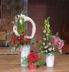 Dry Fruit Box, 60s Theme, Large Flower Arrangements, Valentines Flowers, Arte Floral, Floral Centerpieces, My Flower, Dried Flowers, Altar