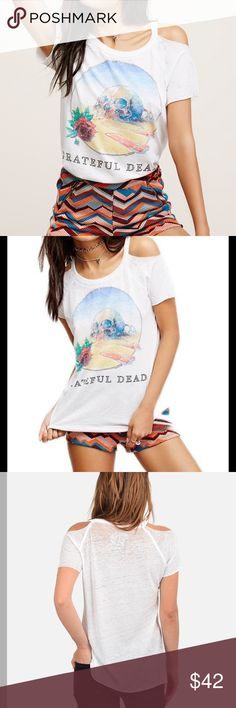 """NWT Chaser Grateful Dead Tee Super soft cotton blend tee featuring a Grateful Dead graphic and burnout detailing.  Cold shoulder style with unfinished trim.  50% cotton, 50% polyester.  Bust 38"""", Length: 28"""", sleeve length: 6"""". Chaser Tops Tees - Short Sleeve"""