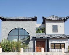 Giant window to the east; Asian house in Rishon Lezion, Israel \KORIN LEVI: So innovative!