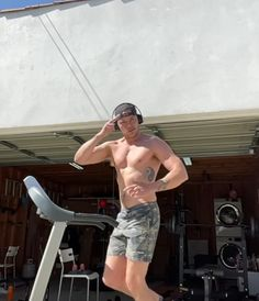 Dominic Sherwood, Workout, Work Out, Exercises